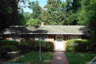 418 NW 19th Street GAINESVILLE Three BR, great location