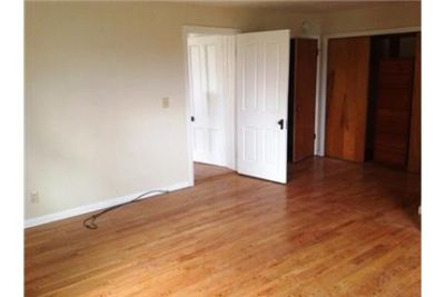 Spacious apartment with hardwood floors throughout, enormous bedroom.