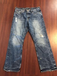 American Eagle distressed men s jeans