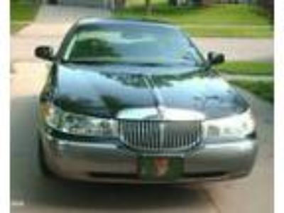 2000 Lincoln Town Car Signature Series 2000 Lincoln Town Car Signature Series