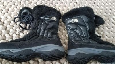 The North Face Girls Winter Boots Worn Once Sz 3