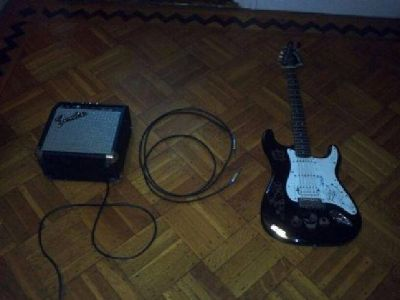 $60 Fender Starcaster Electric Guitar&Amp