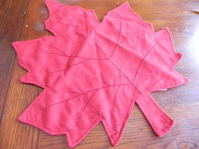 maple leaf placemat or for center piece