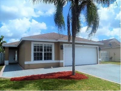 3 Bed 2.0 Bath Foreclosure Property in West Palm Beach, FL 33413 - Crooked Stick Way