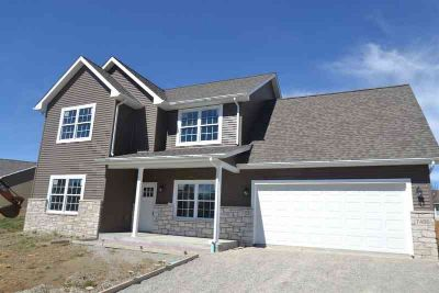 7486 W Raymond Run Ellettsville Four BR, Ready to move in new