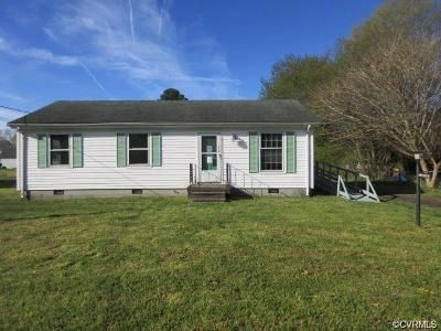 3 Bed 1 Bath Foreclosure Property in Urbanna, VA 23175 - Howard St
