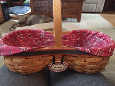 BBQ buddy longaberger basket with both cloth and plastic liners