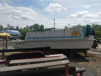 1997 Pontoon Boat with Speed Engine