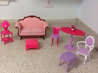Barbie Furniture 9 pcs in all. See additional pics.