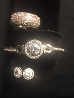 Gorgeous Cubic Zirconia Jewelry Parue
