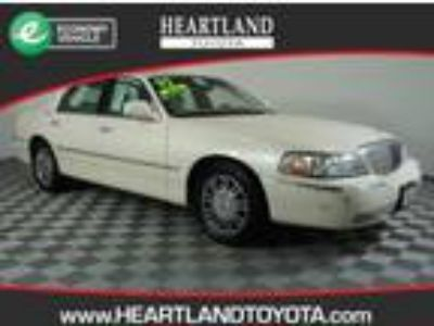 used 2007 Lincoln Town Car for sale.