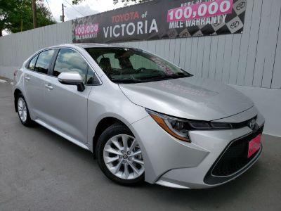 2020 Toyota Corolla XLE (Classic Silver Metallic)