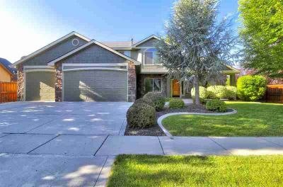 801 E San Pedro St MERIDIAN Four BR, Beautiful custom home in