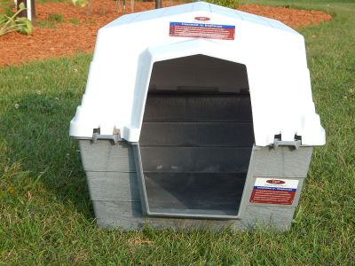 NEW - INSULATED JR DOG HOUSE