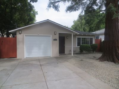 Charming 2 BR/1 BA single family home, newly remodeled
