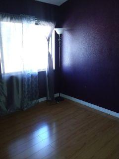 Room for rent/cuarto en renta