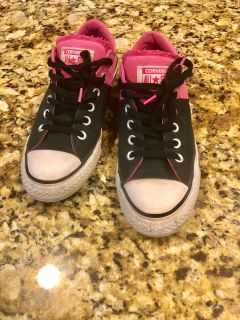 Converse. Size 8. Women s. Pink/Black (Men s 6)