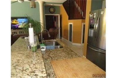 Hollywood - Large two story home with master bedroom on ground floor. Washer/Dryer Hookups!