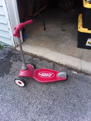 Radio flyer scooter like new excellent condition