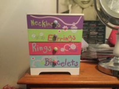 kids and teens jewelry box with drawers