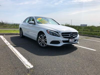 2015 Mercedes-Benz C-Class 4dr Sdn C300 Luxury 4MATIC (White)