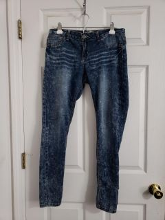 Super Cute Indigi Rein Skinny Stretchy Jean/ Jeggings Size 11. Excellent Condition