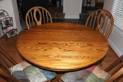 Solid Oak Pedestal Table with 6 chairs