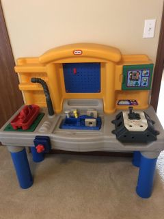 Tools bench toy