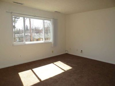 1br Apartment - FREE heat all winter