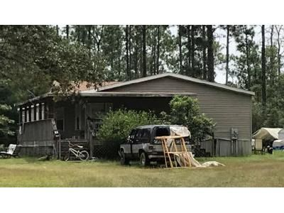 4 Bed 2 Bath Foreclosure Property in Chipley, FL 32428 - Leisure Lakes Dr