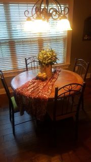 Kitchen Round Table & 4 Chairs