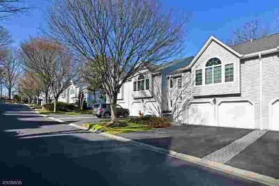 8 Bradshaw CT (606) Hillsdale Three BR, Great Spacious Townhome..