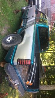 Parting out 1995 Chevy 1500
