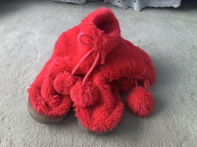 Old navy suede bottom slippers girls size 1/2 $2