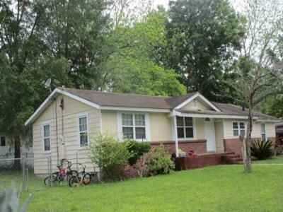 3 Bed 1 Bath Foreclosure Property in Claxton, GA 30417 - Perry St
