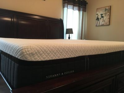 King size Stearns & Foster Hybrid Luxe Mattress