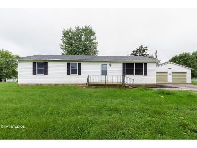 3 Bed 2 Bath Foreclosure Property in New Vienna, OH 45159 - Circle Dr
