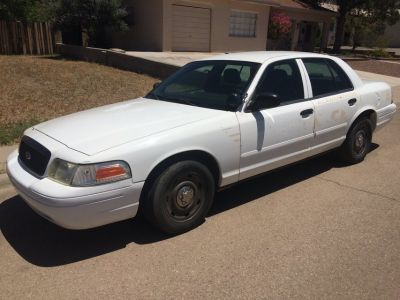 2005 5.7 V-8 Ford Crown Victoria COLD AIR, Good Paint