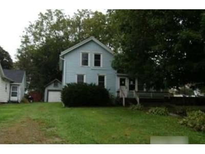 4 Bed 1.5 Bath Foreclosure Property in Ripon, WI 54971 - Woodside Ave