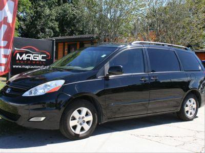 2009 Toyota Sienna XLE (Black)