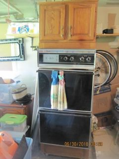 double oven with cabinet