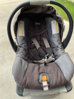Chicco Key Fit car seat with two bases
