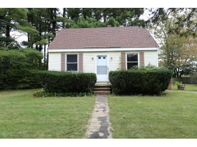 1 Bed 1 Bath Foreclosure Property in Plaistow, NH 03865 - Walton Rd