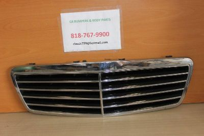 Sell 98 99 00 01 02 1998 MERCEDES CLK CLK350 CLK320 GRILLE GRILL GENUINE OEM NICE motorcycle in Sun Valley, California, US, for US $188.00