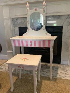 Adorable Child Girl Vanity with Bench Perfect for dress up and for your little princess! See pics! PROJECT PIECE