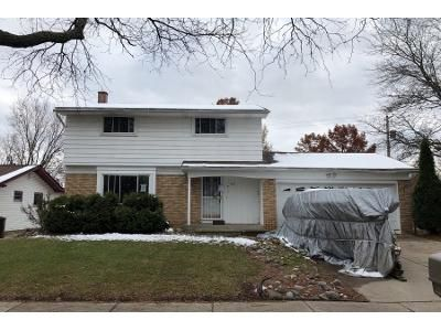 1.5 Bath Preforeclosure Property in Lansing, MI 48911 - Windward Dr