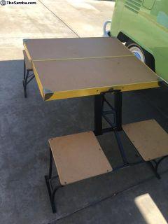 Handy Foldable Picnic Table