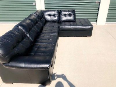Black leather sofa great condition!!