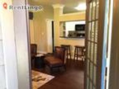 Studio apartment Snelling Ave & Hwy 94
