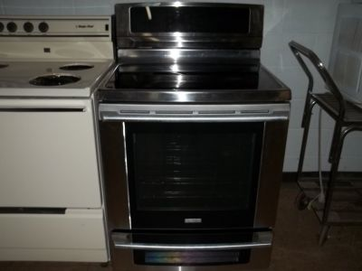 ELECTROLUX GLASS TOP STOVE